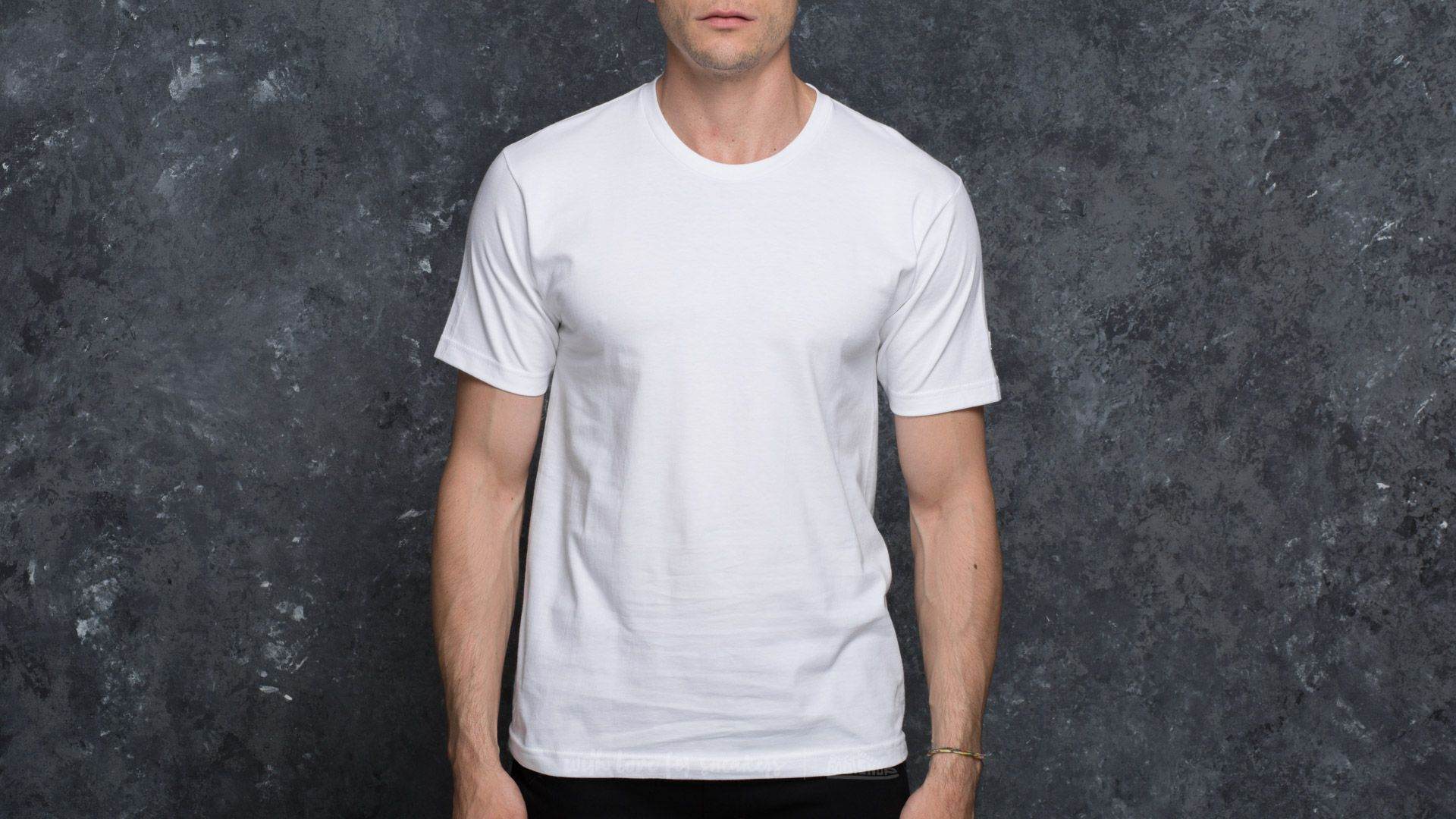 Undefeated 5 Strike Felt Patch Tee White - 17199