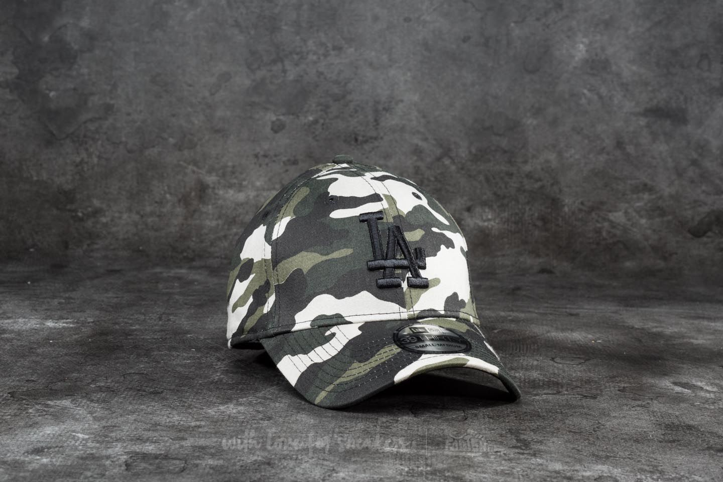 New Era 39Thirty League Essential Los Angeles Dodgers Cap Woodland Camo - 18719