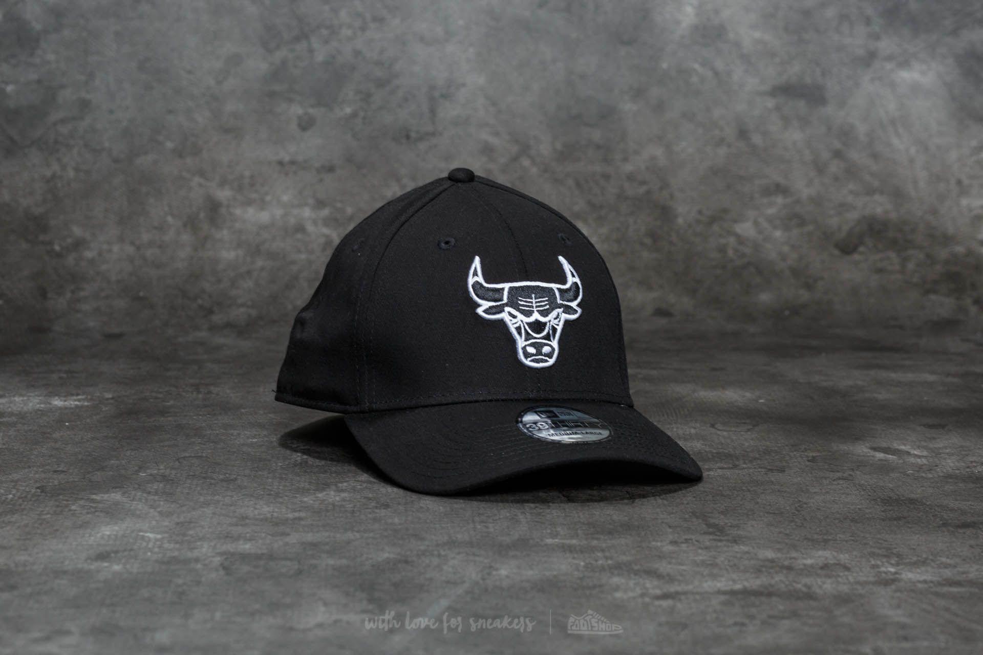 New Era 39Thirty Monochrome Chicago Bulls Cap Black - 20701
