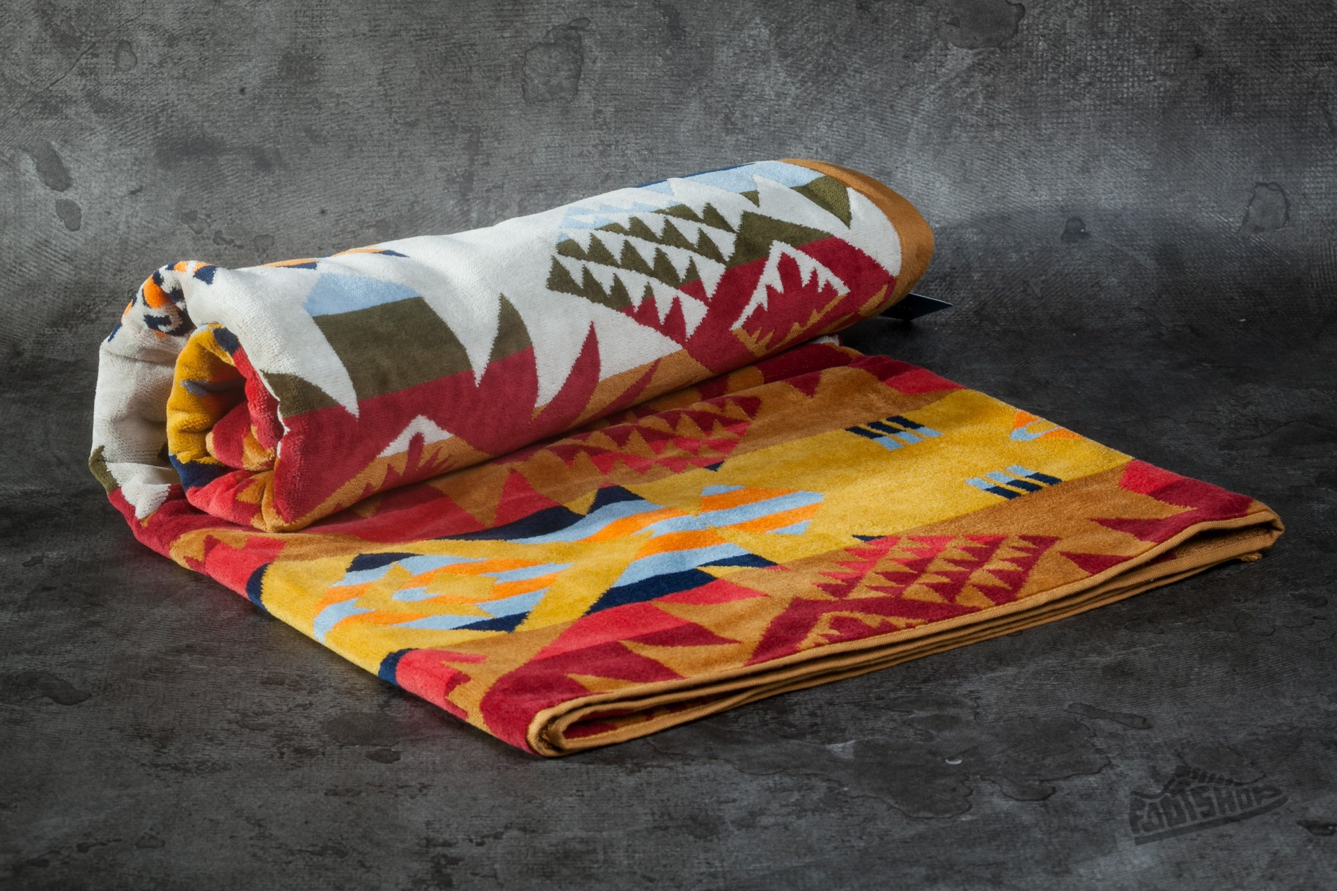 Pendleton Journey West Collecion Gold Towel - 4614