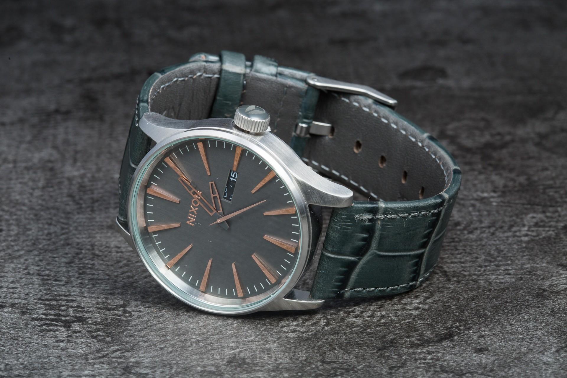 Nixon Sentry Leather Gray Gator - 8185