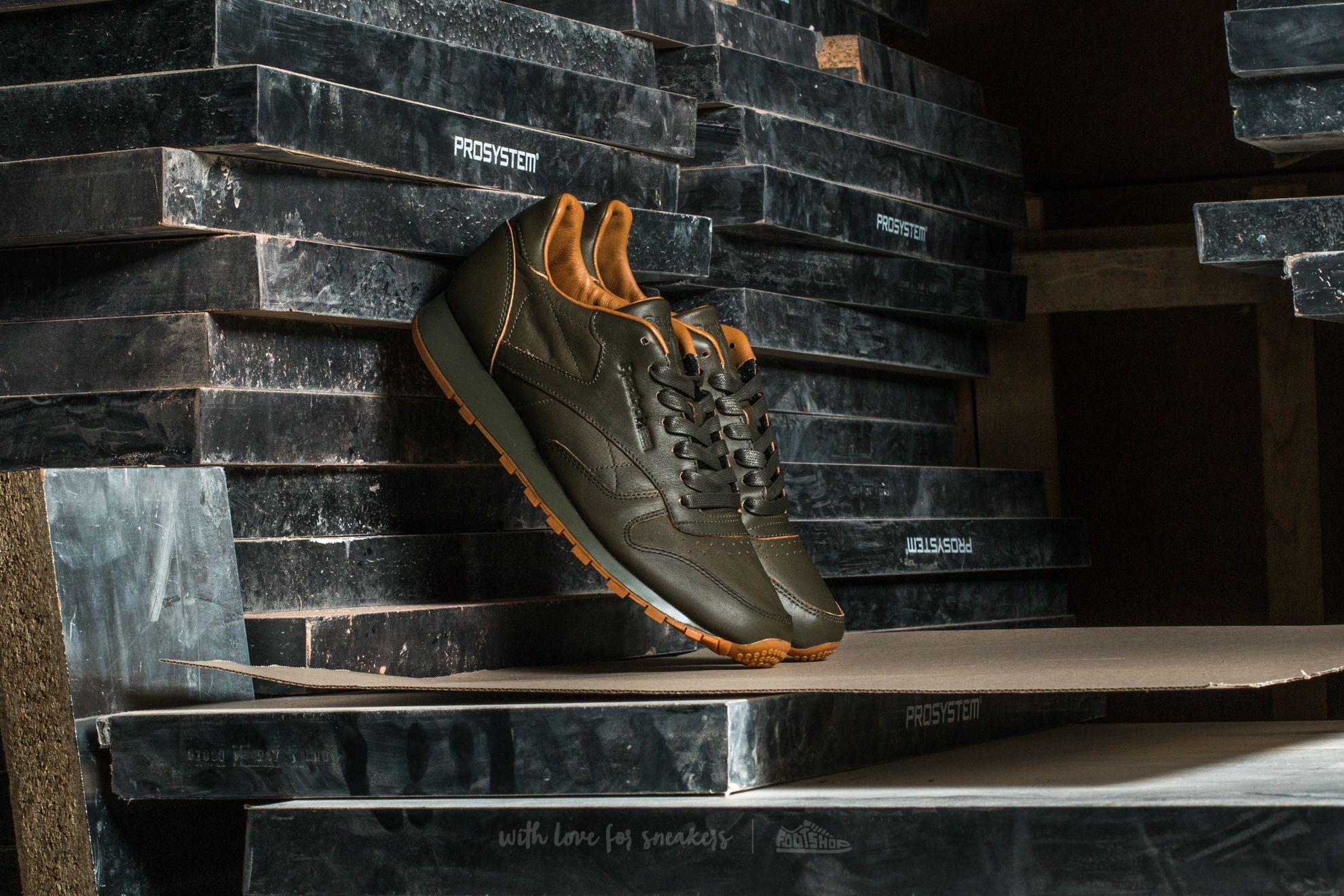 Reebok Classic Leather Lux Kendrick Olive Night-Gum - 12343