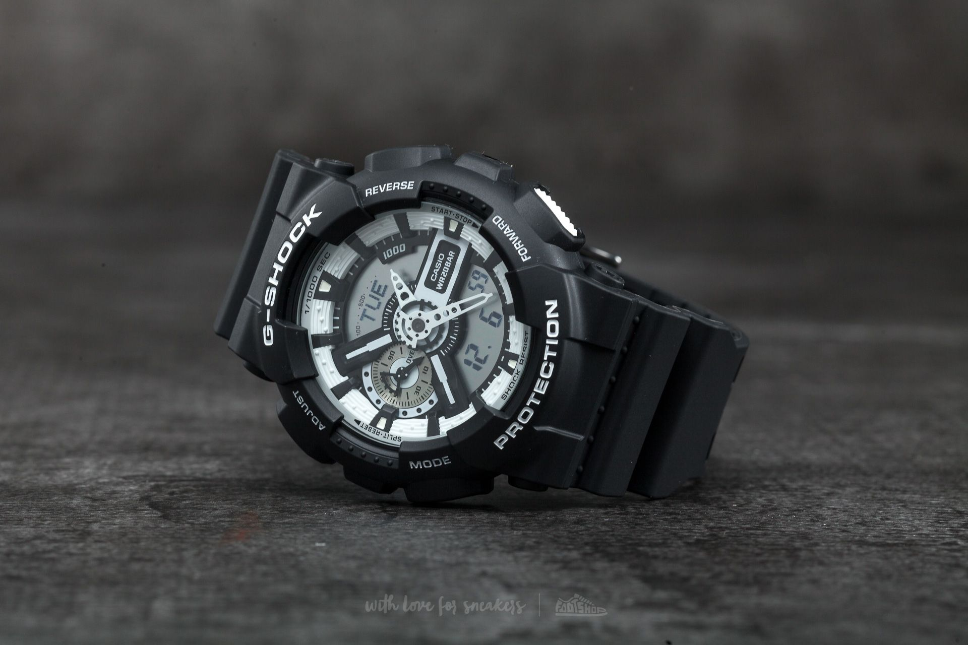 G-Shock GA-110BW-1AER Black - 12578