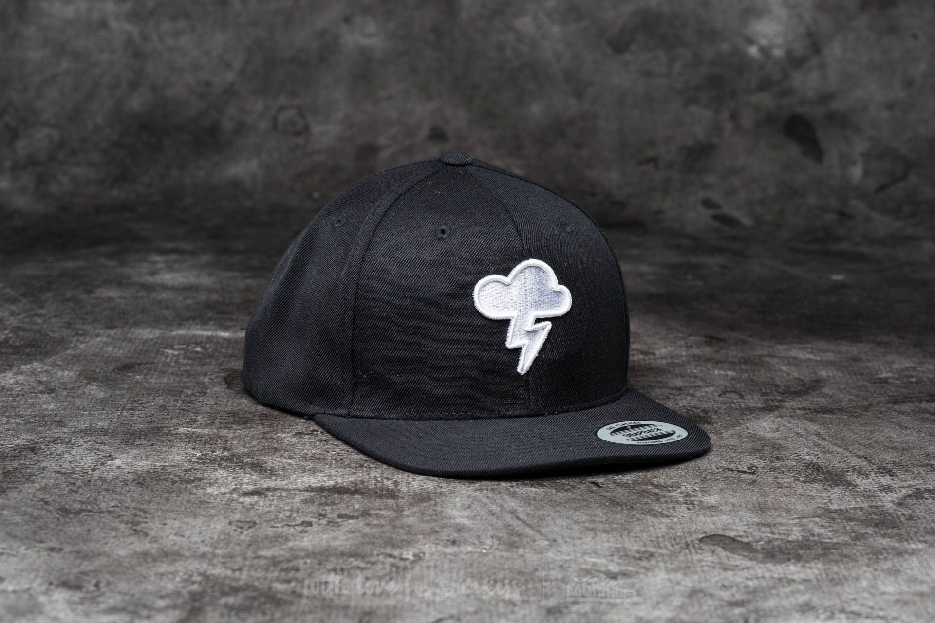 BIGG BOSS Cloud Snapback Black - 13579