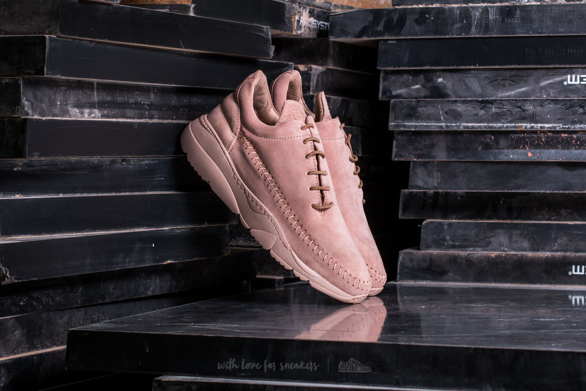 Filling Pieces Apache Runner Low Pastel Pink - 14009