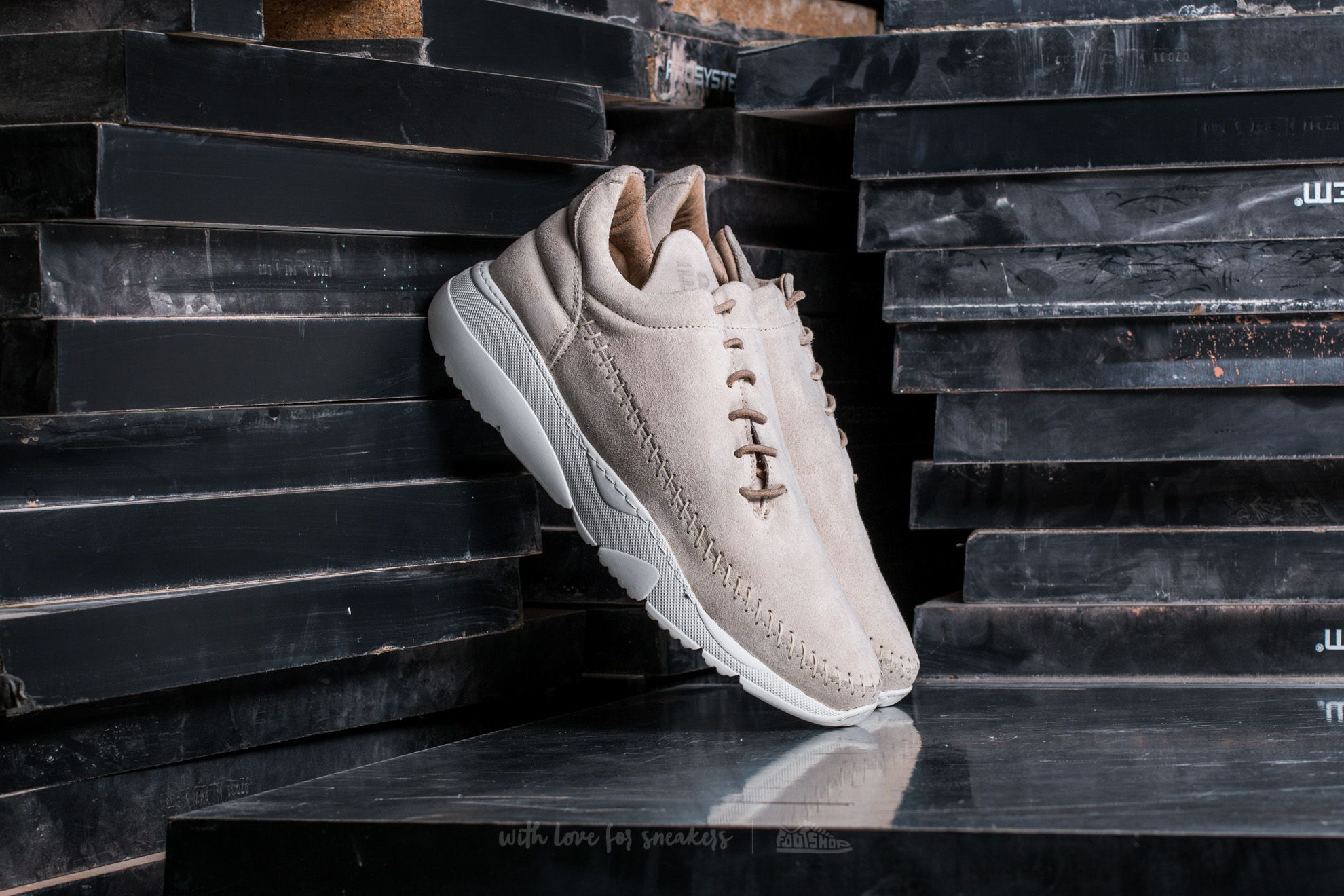 Filling Pieces Apache Runner Low Beige - 14012