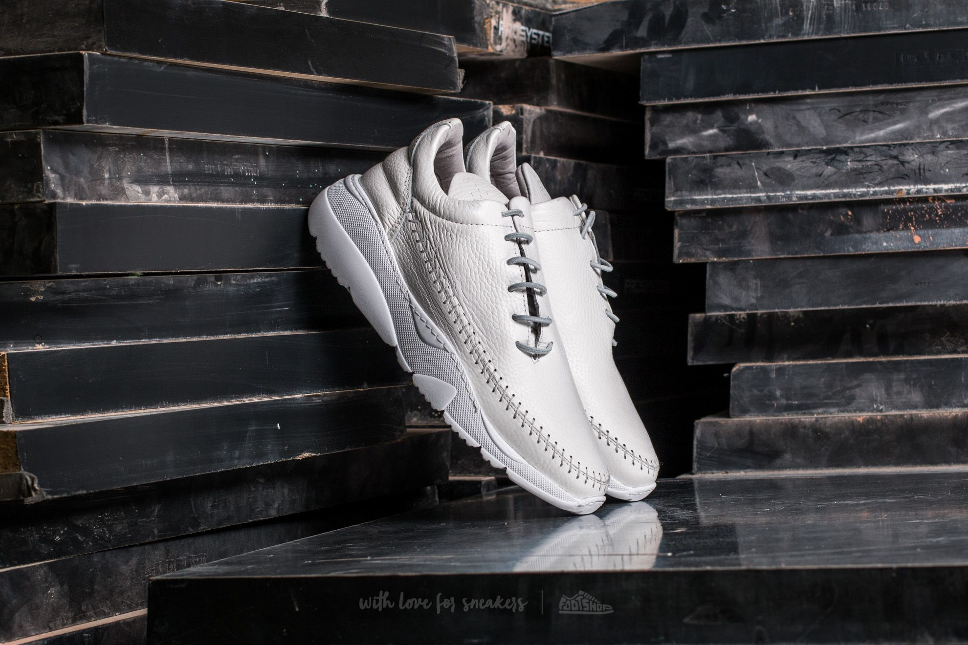 Filling Pieces Apache Runner Low All White - 14018