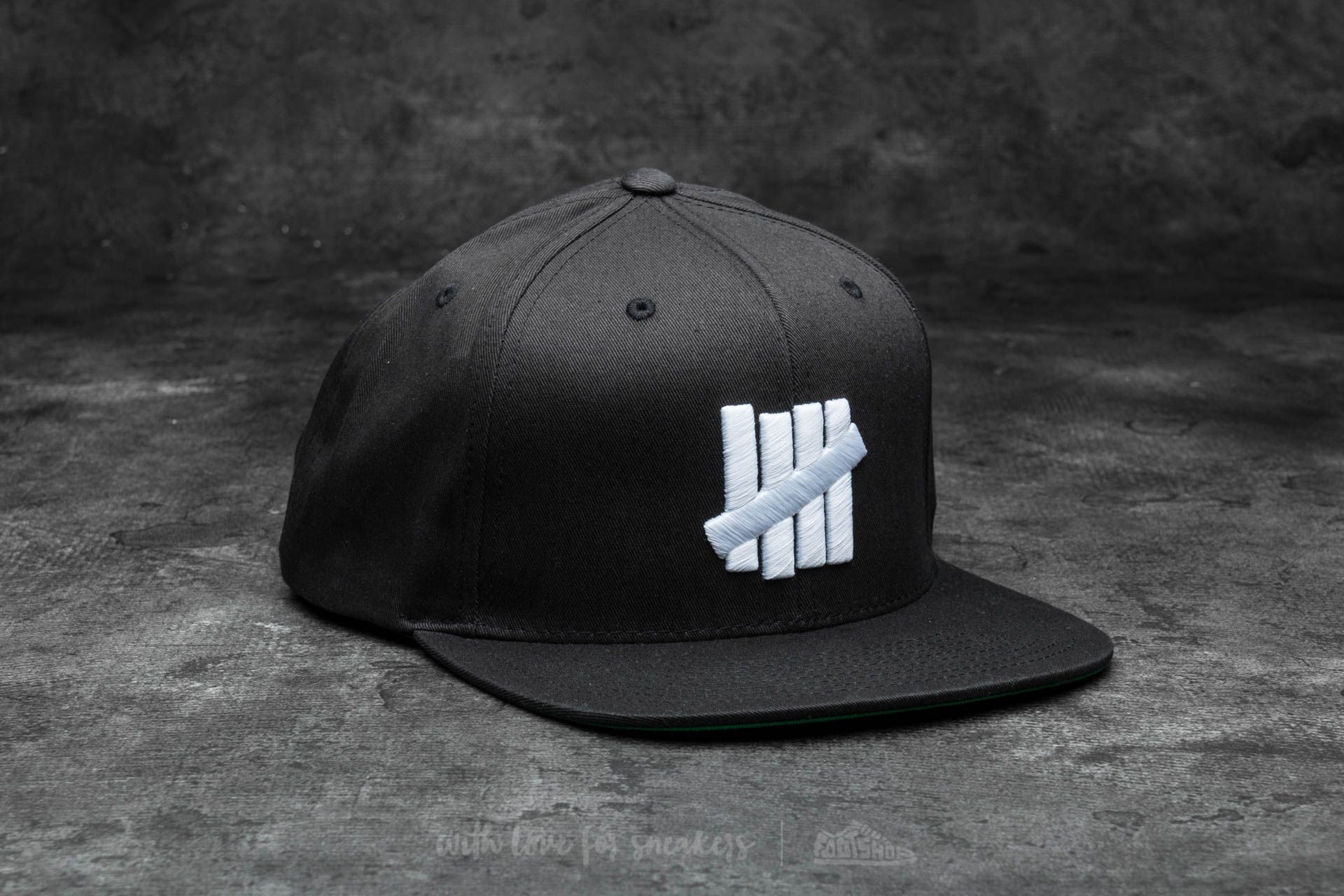 Undefeated 5 Strike Snapback Ball Cap Black - 14513