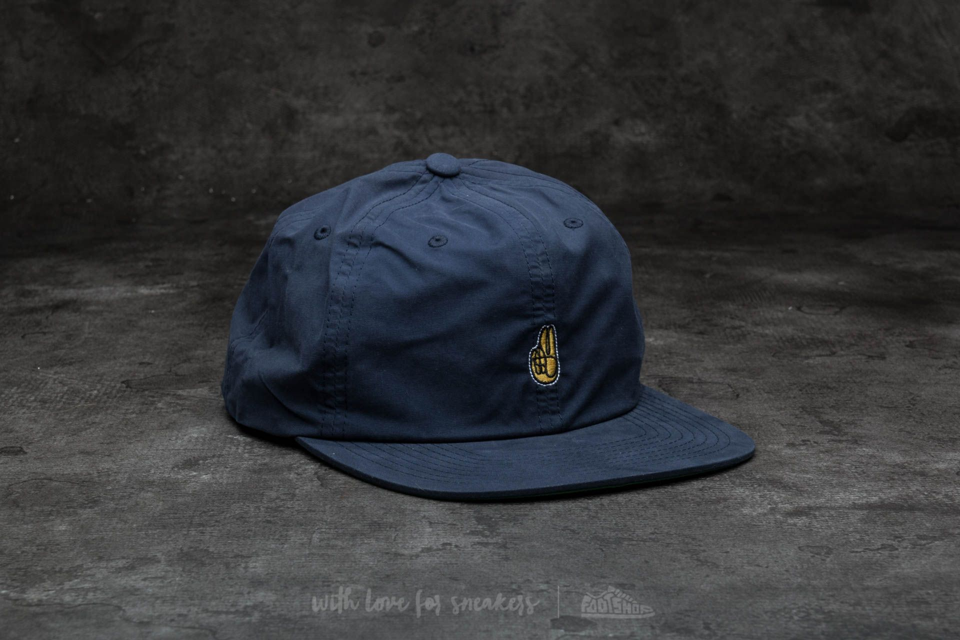 Undefeated Peace Cap Navy - 14502