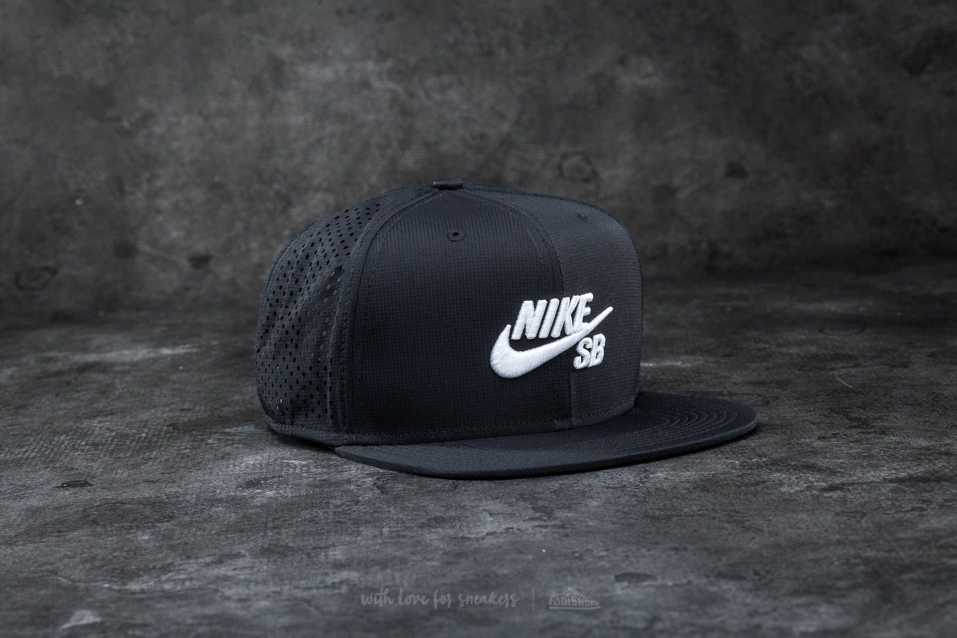 Nike SB Performance Trucker Hat Black/ White - 14713