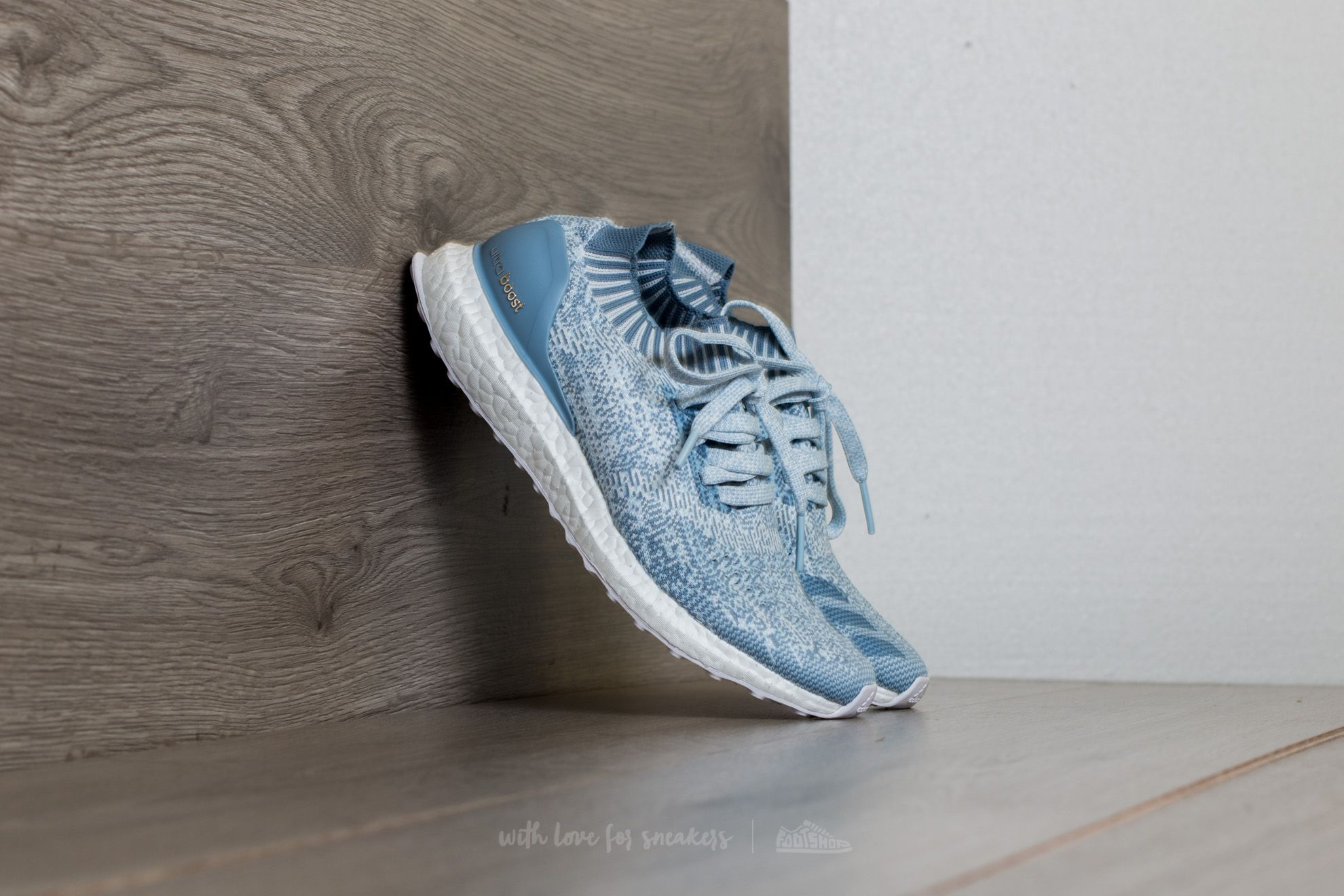 adidas UltraBoost Uncaged W Crystal White/ Tactile Blue/ Easy Blue - 15068