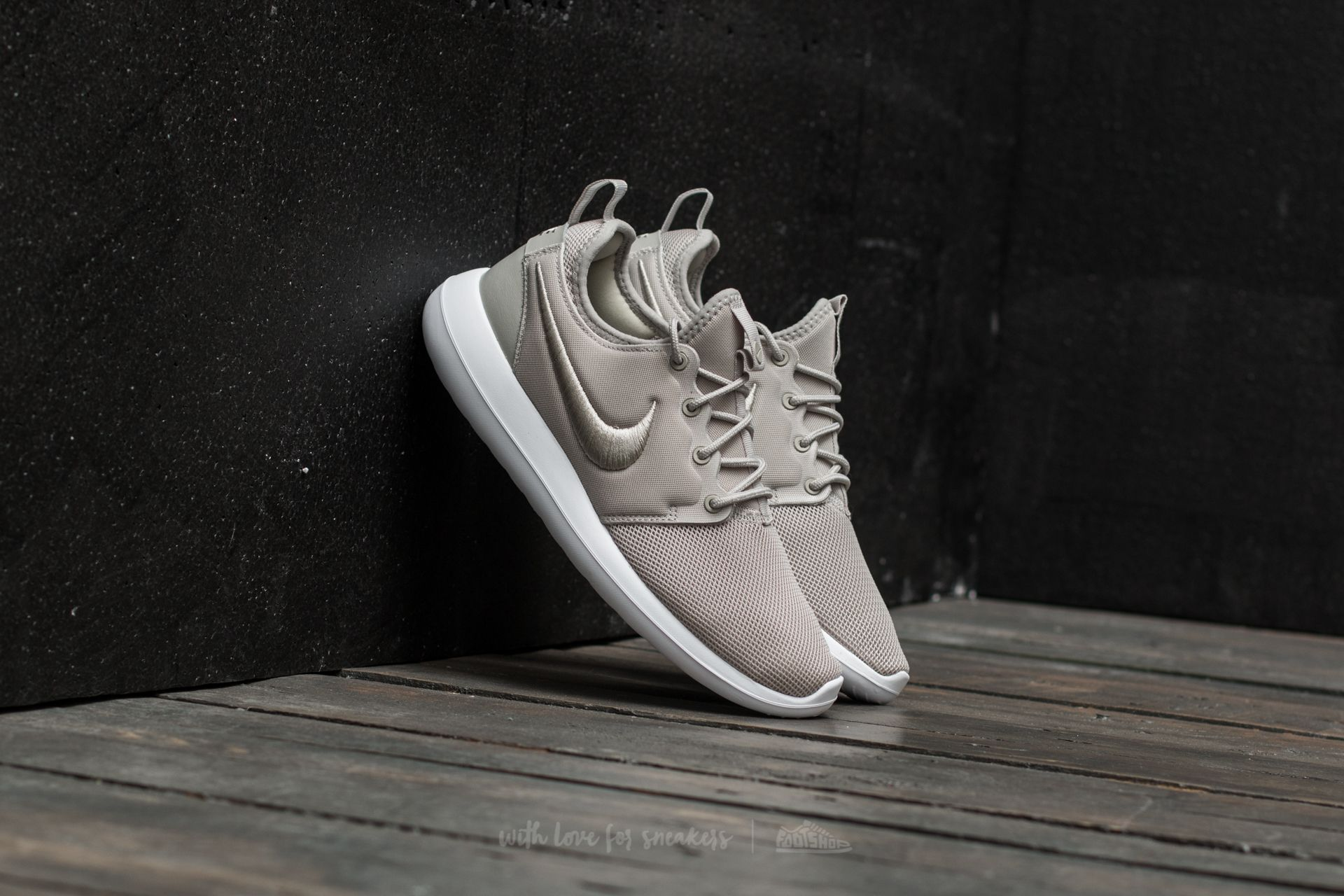 Nike W Roshe Two BR Pale Grey/ Pale Grey-White - 16690